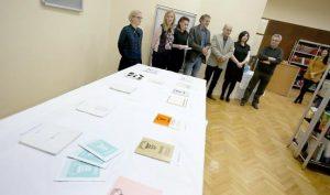 snimio Davor KIBEL,  Osijek, 28.11.2016.  u knjižnici Odjela za kulturologiju - Otvorenje izložbe kataloga Sla vonskih biennala